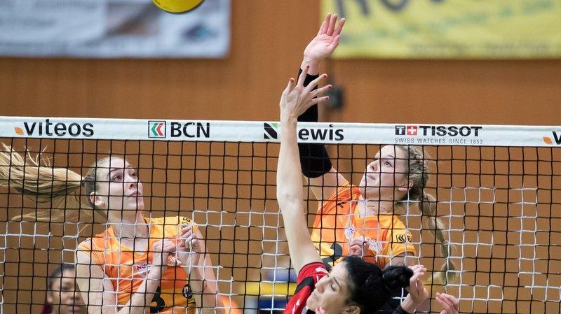 Les Neuchâteloises Martina Halter et Cassidy Pickrell n'ont laissé aucune chance à Elena Kountoura et VFM.