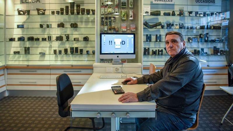 Le prochain objectif de Jean-Pierre Brocard, c'est de convaincre sa clientèle des Montagnes, après la fermeture de son magasin de la Chaux-de-fonds, de descendre à Neuchâtel, où les affaires restent satisfaisantes.