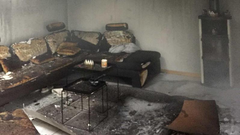 Fribourg: un enfant provoque l'incendie d'une villa à Riaz en mettant le feu à un sapin