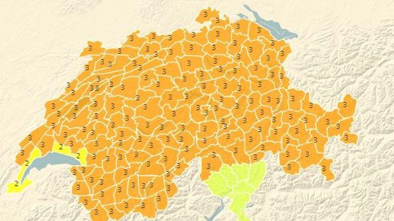 Météo: la tempête Evi balaie la Suisse avec des vents à plus de 130 km/h sur les crêtes, pas de dégâts signalés