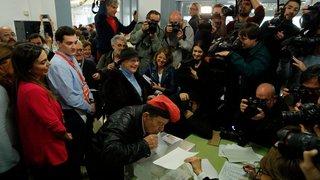 Les Catalans votent en masse pour décider de leur avenir