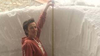 Météo: la neige bloque les Alpes françaises et italiennes, elle blanchit même le sable du Maroc