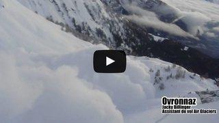 Intempéries: les images de déclenchement d'avalanches en Valais envahissent la toile après la neige des derniers jours