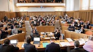 Refus du budget: le canton de Neuchâtel doit réduire son train de vie, dit un expert