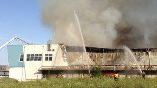 Acquittements après le grand incendie d'un hangar à Cortaillod