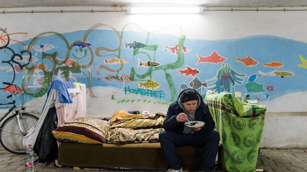 Les travailleurs sociaux neuchâtelois côtoient chaque jour des personnes sans solution de logement.