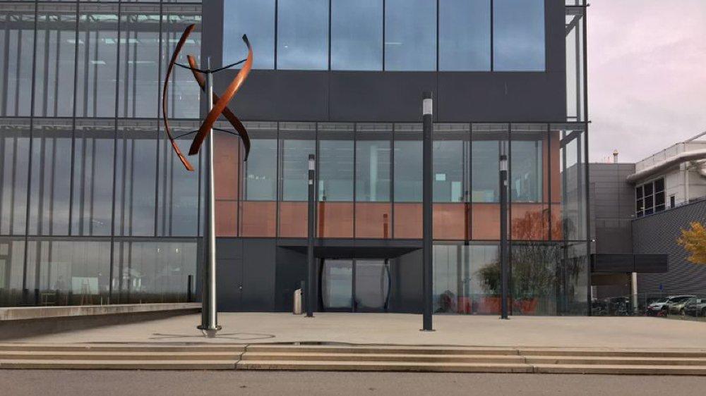 L'hélice hélicoïdale que désire ériger le cigarettier sur son campus.