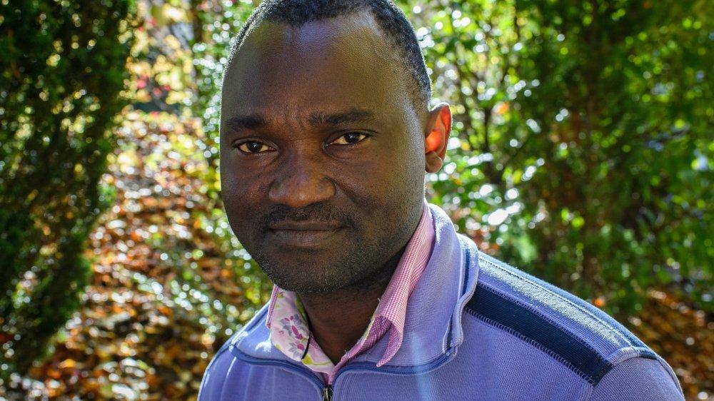 Emmanuel Mbolela parcourt l'Europe pour informer l'opinion publique sur la situation dramatique que vivent les migrants durant leur fuite.