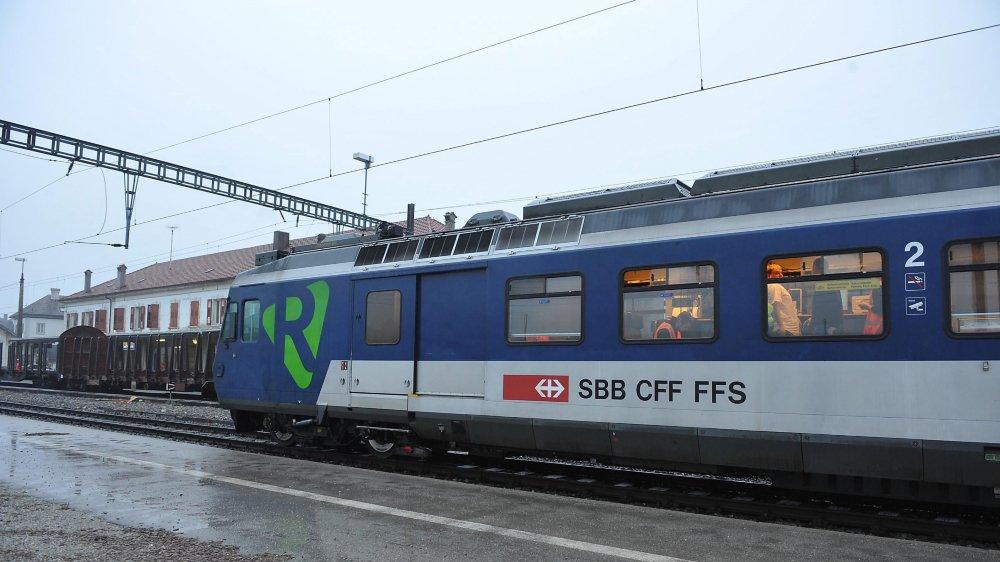 Le train qui fait la navette entre Neuchâtel et Frasne est de type Colibri.