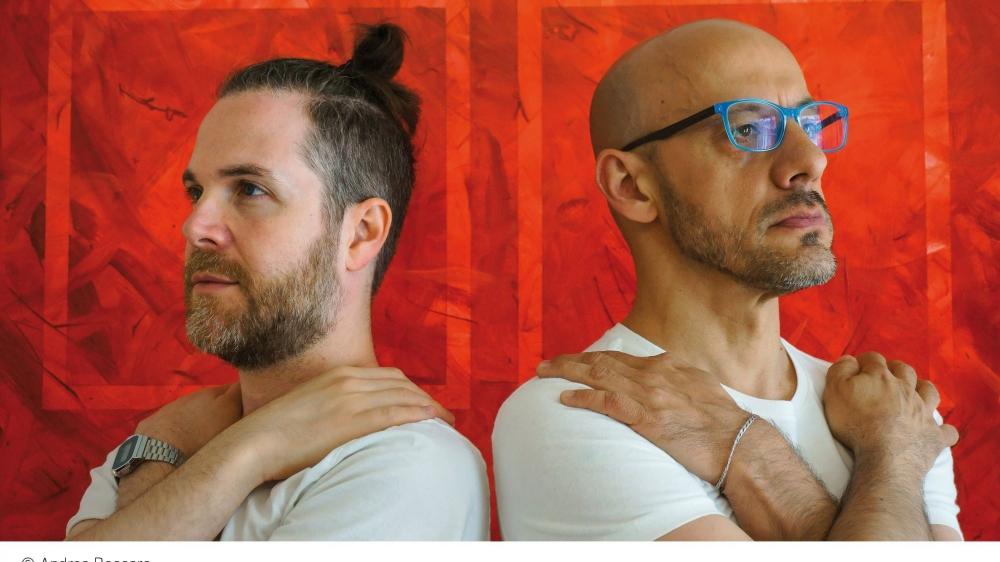 Andrea Manzoni (à gauche) a fait appel à Andrea Beccaro pour son projet «Shapin'It», à découvrir au théâtre du Pommier, à Neuchâtel.