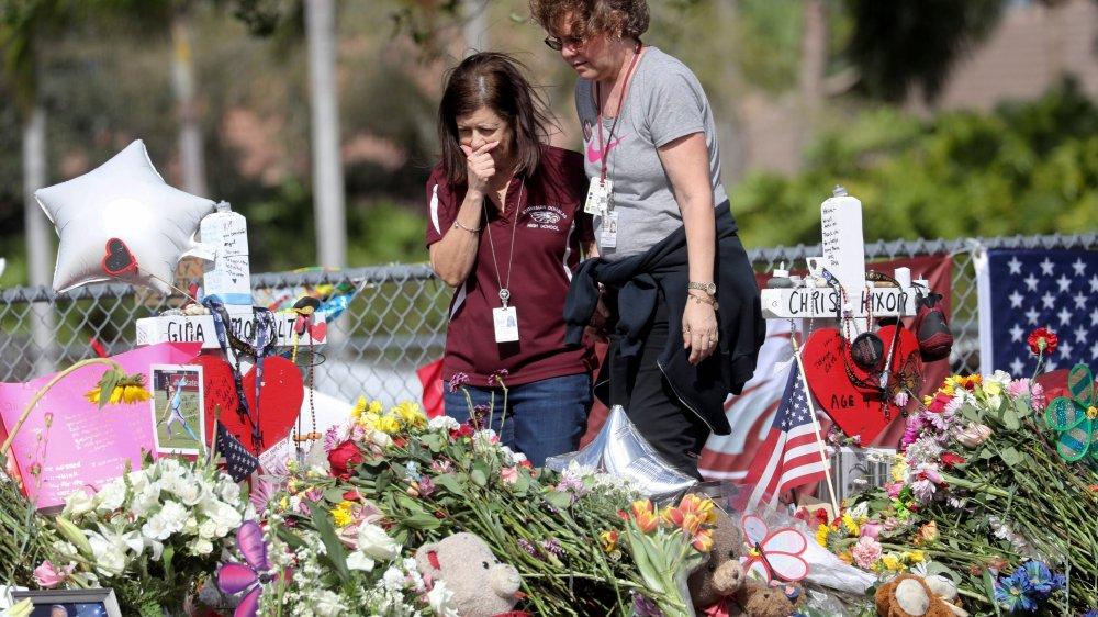La tuerie du lycée Marjory Stoneman Douglas, à Parkland, en Floride, a suscité une telle vague d'émotion que des sociétés décident de mettre fin à leur partenariat avec la National Rifle Association.