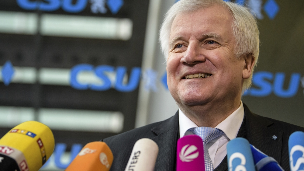 Le patron de la CSU, Horst Seehofer, a été désigné, par Angela Merkel, ministre en charge de l'Intérieur, du Logement et de la Heimat.