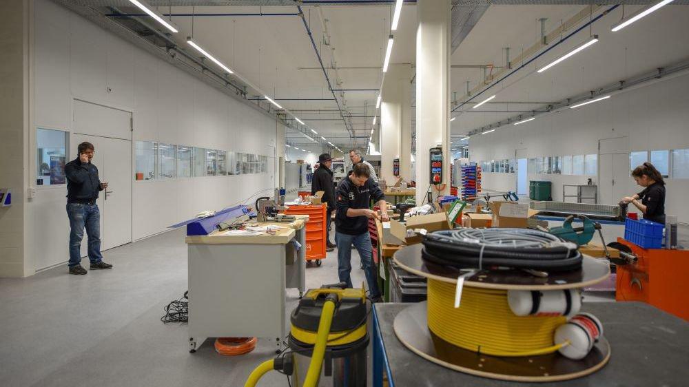 Dans cette usine aux dimensions de paquebot, un pan de 2000 mètres carrés est consacré aux nouvelles technologies industrielles.