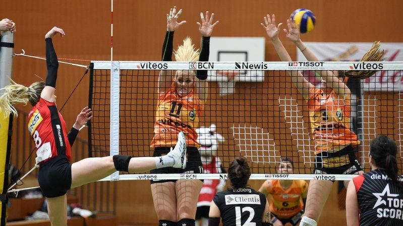 Les joueuses du NUC Mandy Wigger (11) et Martina Halter (3) retrouveront Kanti Schaffhouse en demi-finale de Coupe de Suisse.