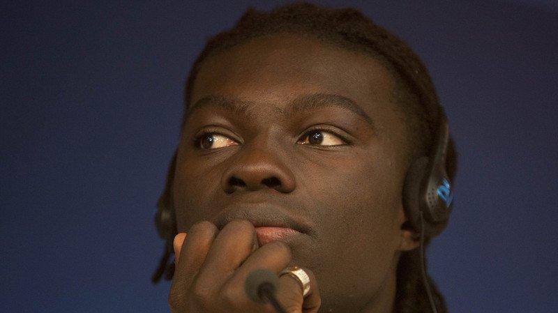 Football: le Français Gomis s'évanouit brièvement pendant un match
