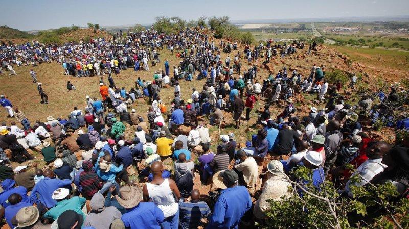 Afrique du Sud: les 955 mineurs bloqués sous terre finissent par sortir