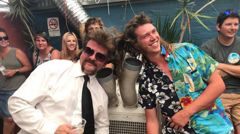 Must-have des années 80, la coupe mulet a son propre festival en Australie