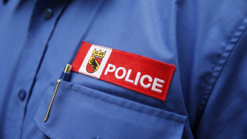 La police cantonale a été informée aux alentours de midi d'une fuite d'un liquide dans une usine située à la Grand-rue à Reconvilier.