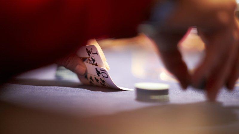 Loi sur les jeux d'argent: le Conseil fédéral autorise le poker entre amis