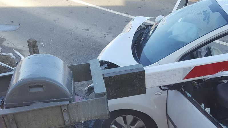 La collision s'est produite mercredi au niveau du passage à niveau de Montmollin.