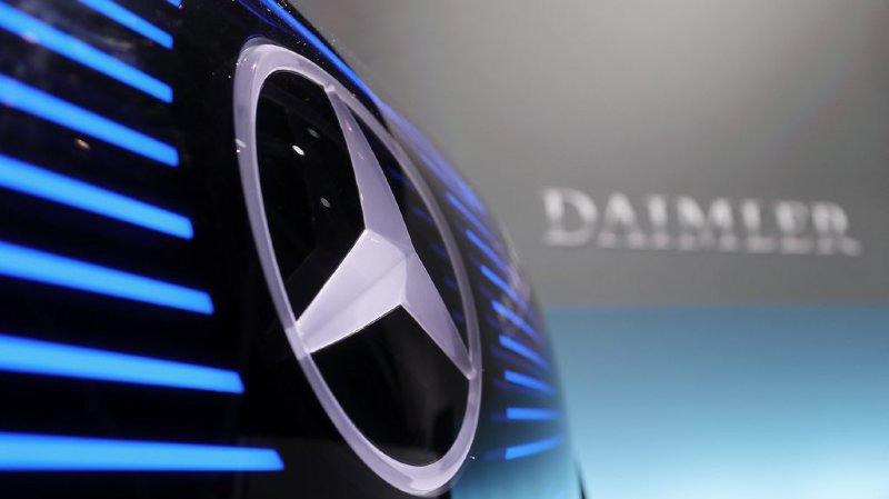 Mercedes-Benz, la marque phare du groupe allemand, teste actuellement des camions eActros avec une autonomie allant jusqu'à 200 kilomètres.