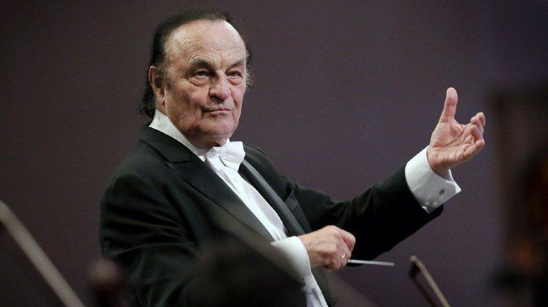 Musique: après le harcèlement sexuel, le chef d'orchestre Charles Dutoit accusé de harcèlement pschologique