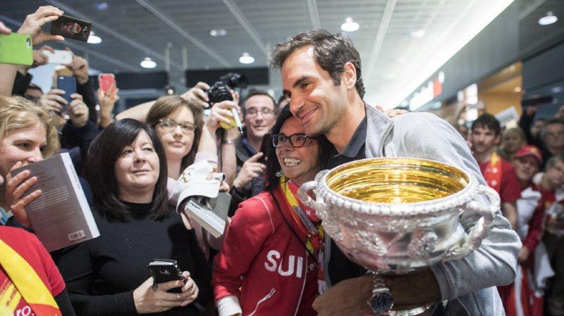 Tennis: des centaines de fans ont accueilli Roger Federer et son 20e Grand Chelem à Kloten