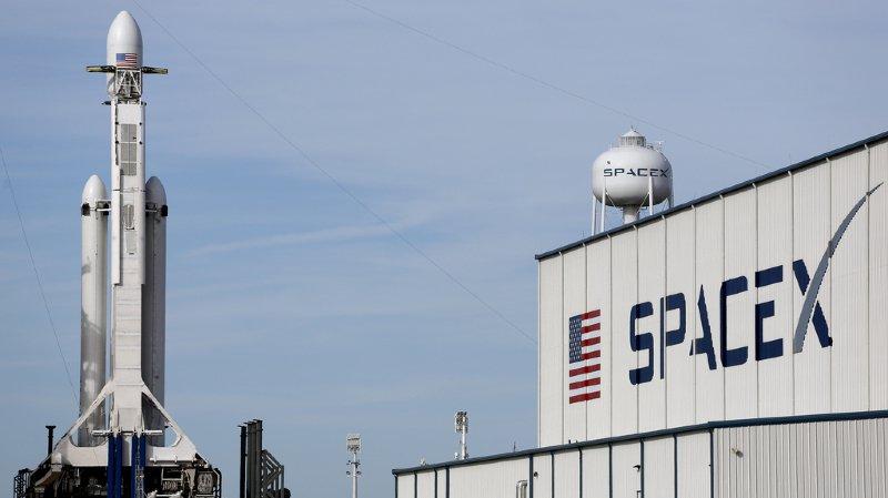 Espace: décollage réussi de Falcon Heavy, la fusée la plus puissante du monde