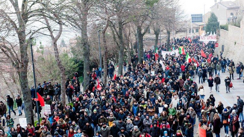 Italie: rassemblement de manifestants antifascistes à Macerata