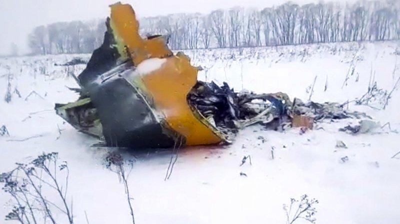 Un avion de ligne russe s'écrase près de Moscou: 71 morts