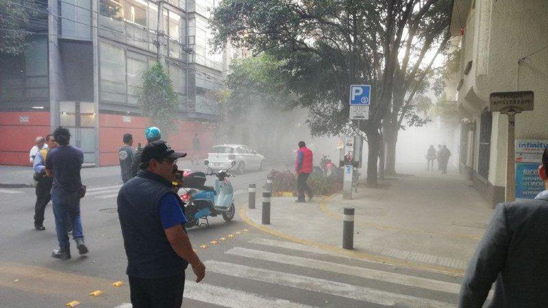 Mexique: un fort séisme secoue le pays jusqu'à Mexico, le crash d'un hélicoptère fait 13 morts