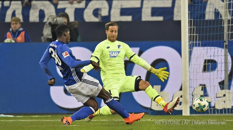 "Football: Roman Bürki et Breel Embolo dans le onze idéal de ""Kicker"""