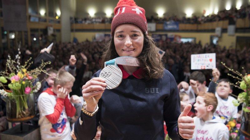 Ski freestyle: la Fribourgeoise MathildeGremaudsur le flanc