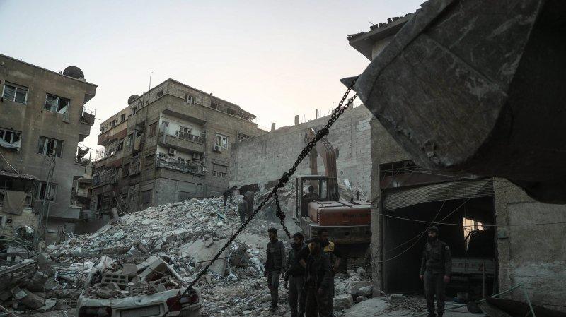 Syrie: Plus de 220 civils tués dans des bombardements intensifs
