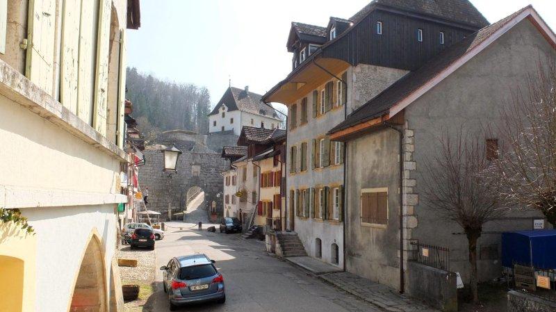 Les agents contrôleront principalement les autos stationnées dans  le Vieux Bourg et le parking sous le château.