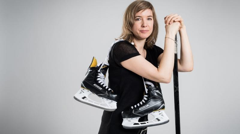 Laure Aeschimann, patronne du hockey des dames, se réjouit du développement de la discipline en suisse.