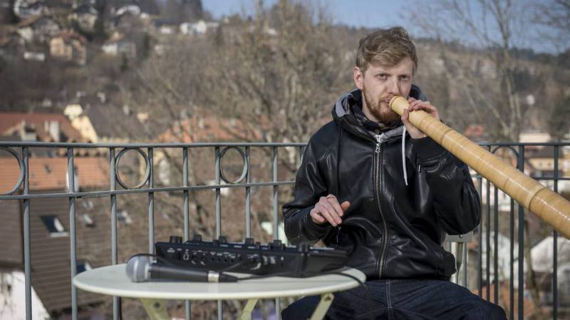 Le Chaux-de-Fonnier Arthur Henry est un spécialiste du beatbox.