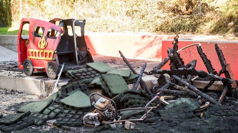 Des mineurs responsable de l'incendie d'une place de jeu à Boudry