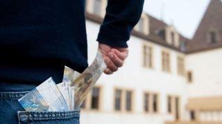 La baisse des retraites dans la fonction publique neuchâteloise sera-t-elle combattue?