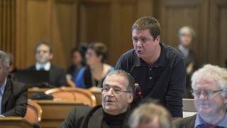 Réactions contrastées au départ du député neuchâtelois Olivier Lebeau