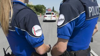 Policière grièvement blessée par une voiture au Locle