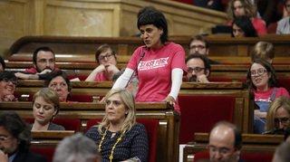 """Anna Gabriel, indépendantiste catalane en Suisse: """"Je n'irai pas à mon procès"""""""