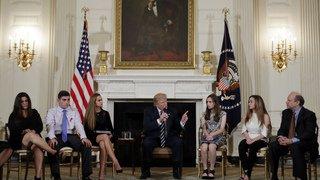 Etats-Unis: Trump se dit prêt à envisager le port d'armes pour les enseignants