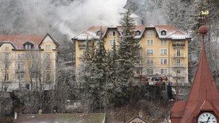 Les pompiers rue de Bellevue, au Locle