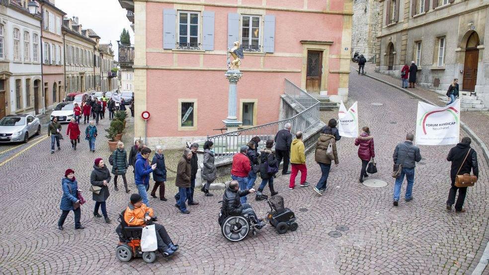 Fin 2014, Forum handicap montait au château pour déposer sa motion populaire.