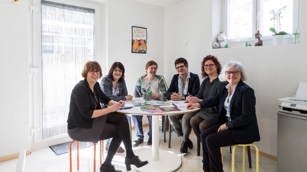Plusieurs femmes se sont battues pour la naissance de ce centre: Isabelle Lavanchy, Sabine Ferrier, Françoise Hallet, Isabelle Brun, Nathalie Poupet et Nicole Binggeli (de gauche à droite).