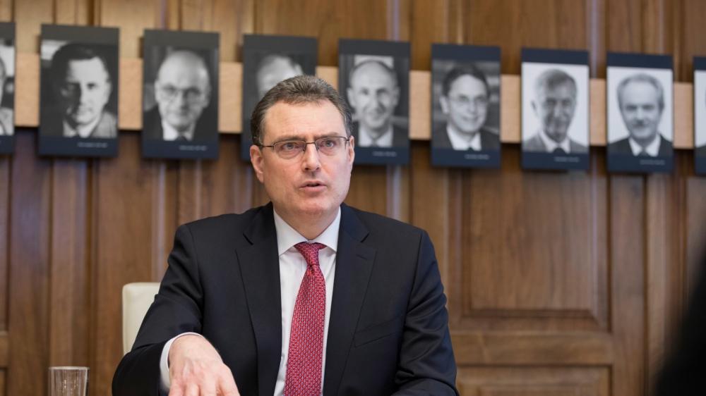 Thomas Jordan dans la salle de la direction générale de la BNS à Zurich.
