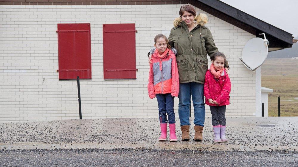 Gabrielle Fabiani avec ses filles. Photo: © David Marchon