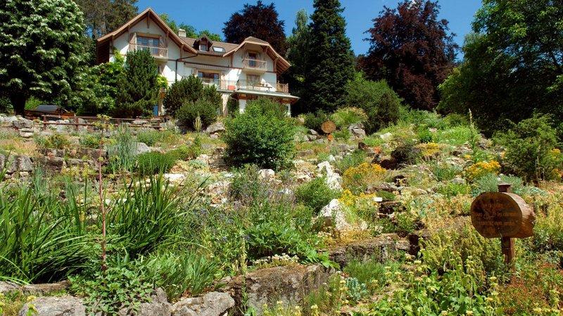 Neuchâtel inaugure son jardin botanique en 1998