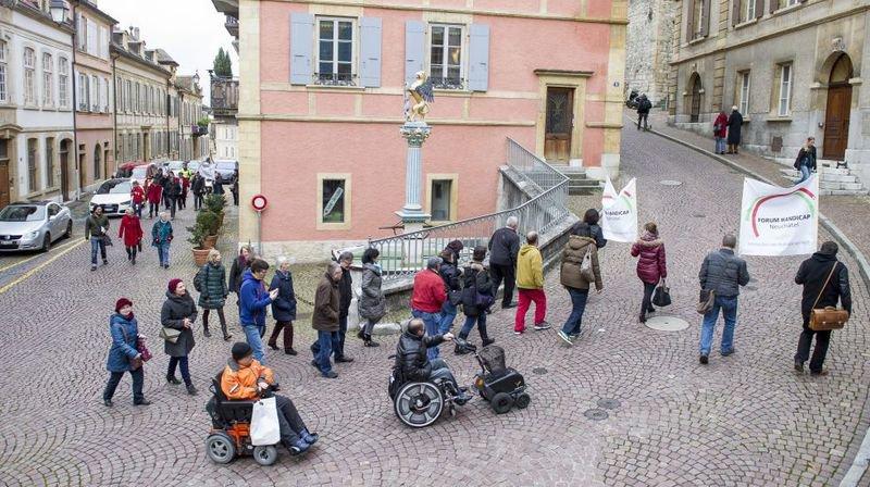 Le Conseil d'Etat neuchâtelois doit faire mieux pour les handicapés